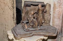 L'illustration par madonna et le Joseph sculptent le papier-machè découpé illustration stock
