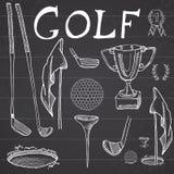 L'illustrazione stabilita di vettore di schizzo disegnato a mano di sport del golf con i club di golf, palla, T, foro con la band Fotografie Stock