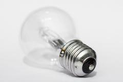 l'image élevée d'ampoule du fond 3d a isolé le blanc léger de résolution Photo stock