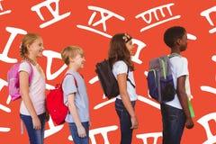 L'image composée de l'école badine la position dans le couloir d'école Photos stock