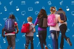L'image composée de l'école badine le fonctionnement dans le couloir d'école Photos libres de droits