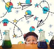 L'image composée de l'élève mignon s'est habillée comme scientifique Photos libres de droits