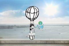 L'image composée de la fille en terre de soufflement chaude de ballon à air bouillonne Image libre de droits