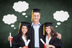 L'image composée de trois amis reçoivent un diplôme de l'université ensemble Image stock