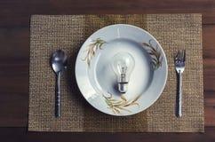 L'image conceptuelle dépeint la consommation des idées Images libres de droits