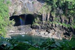 L'image courante de l'arc-en-ciel tombe, grand Isalnd, Hawaï Photo libre de droits