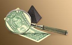 L'image d'une pyramide sur l'argent. Photo libre de droits