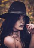 L'image d'une sorcière pour Halloween images stock