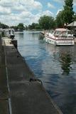 L'imbarcazione da diporto lascia la serratura del canale di Rideau Fotografie Stock