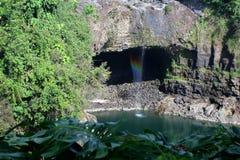 L'immagine di riserva dell'arcobaleno cade, grande Isalnd, Hawai Immagine Stock
