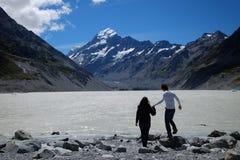L'immagine schietta delle coppie esplora il cuoco del supporto, Nuova Zelanda fotografia stock