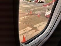 L'immagine vaga della pista che sta piovendo fuori immagine stock