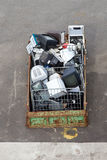 L'immondizia è in un contenitore fotografie stock libere da diritti