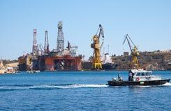 L'impianto di perforazione nobile nei cantieri navali di Palumbo, Malta di Paul Romano Oil Fotografie Stock Libere da Diritti