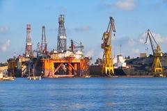 L'impianto di perforazione nobile nei cantieri navali di Palumbo, Malta di Paul Romano Oil fotografia stock