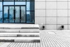 L'importation et l'exportation de l'immeuble de bureaux images libres de droits
