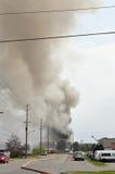 L'incendie industriel souffle la fumée au-dessus d'Ottawa Photographie stock