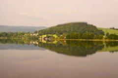 L'inclinazione del lago Bala e sposta A Fotografie Stock