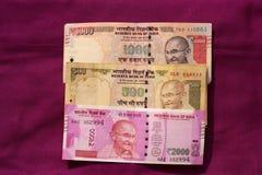 L'Inde a interdit la vieille note de 500 et 1000 roupies Photographie stock libre de droits