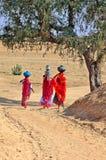 l'Inde, Jaisalmer : Femmes dans le désert image libre de droits