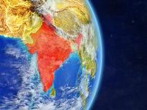L'Inde sur terre de planète de planète avec des frontières de pays Surface et nuages extrêmement détaillés de planète illustratio illustration stock