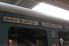 L'INDIA, Delhi, Nuova Delhi, TRENO Fotografia Stock Libera da Diritti