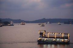 L'India - Goa - Panaji - barche turistiche al crepuscolo Immagini Stock Libere da Diritti