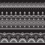 L'indiano, hennè tre di Mehndi allinea il modello degli elementi del pizzo per il tatuaggio su fondo nero illustrazione di stock