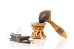 L'indiano tamburella il damaru, il maracas e lo strumento di Khartal Fotografie Stock Libere da Diritti