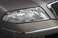 L'indicatore luminoso della testa dell'automobile Fotografie Stock
