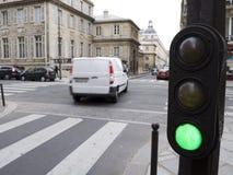 L'indicatore luminoso verde dice va Fotografie Stock