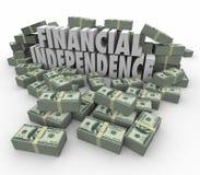 L'indipendenza finanziaria 3d esprime i guadagni di reddito delle pile dei soldi Immagine Stock Libera da Diritti