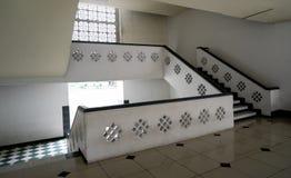 L'Indonésie a conçu l'intérieur de la mosquée Photos stock