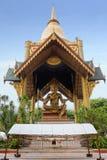 l'indonesia soerabaya Quattro hanno affrontato la statua di Buddha Fotografia Stock