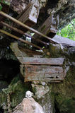 L'Indonesia, Sulawesi, Tana Toraja, tomba antica Immagine Stock