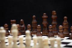 L'inizio di un gioco di scacchi Fotografie Stock