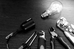 L'insieme degli strumenti più essenziale per gli elettricisti di riparazioni Immagini Stock