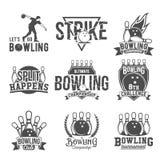 L'insieme del bowling simbolizza, etichette, distintivi ed elementi progettati Immagine Stock