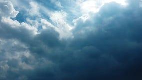 L'insieme dell'isolato di si rannuvola il fondo nero Elementi di disegno Nuvole isolate bianco Nuvole estratte ritaglio archivi video