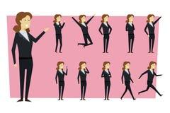 L'insieme della donna di affari in vestito e nella condizione posa con le sedere isolate immagine stock