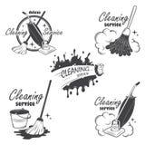 L'insieme di servizio di pulizia simbolizza, etichette e illustrazione vettoriale
