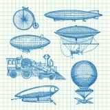 L'insieme di vettore dei dirigibili disegnati a mano dello steampunk, le biciclette e le automobili sulla cellula rivestono l'ill Fotografia Stock Libera da Diritti