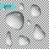 L'insieme realistico delle chiare gocce di acqua pure ha isolato l'illustrazione di vettore illustrazione di stock