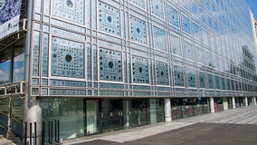L'Institut du Monde Arabe paris france Royaltyfria Bilder