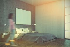 L'intérieur concret de chambre à coucher, affiche, acculent modifié la tonalité Photo stock