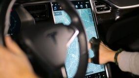 L'intérieur d'un model X de Tesla électrique clips vidéos