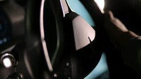 L'intérieur d'un model X de Tesla électrique banque de vidéos
