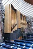 L'intérieur de l'église dans la roche (Temppeliaukio) à Helsinki photo stock