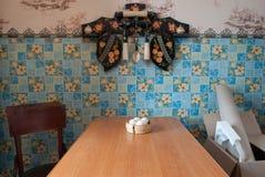 L'intérieur de la cuisine de village, vieilles choses avec l'histoire, Photos libres de droits