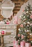 L'intérieur de nouvelle année et de Noël dans la couleur rose 5 Photographie stock